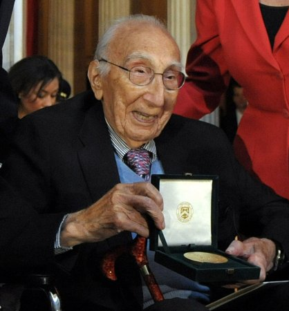 Heart transplant pioneer honored