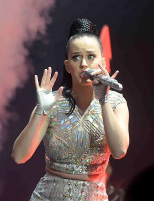 Katy Perry sued by Christian artist for stealing 'Dark Horse' song