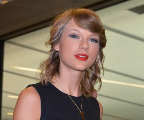 Taylor Swift will debut 'Bad Blood' music video at Billboard Awards
