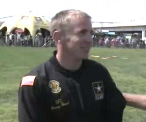 Army parachutist dies after Chicago Air and Water Show midair collision