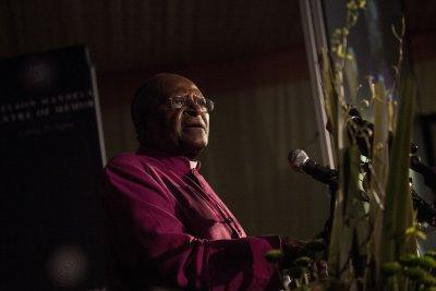 Nobel Prize winner Desmond Tutu back in hospital for 'inflammation'