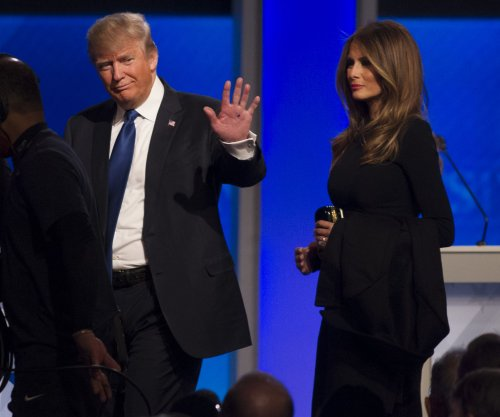 Trump-Cruz feud growing to include candidates' wives