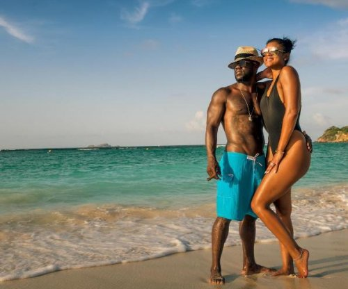 Kevin Hart, Eniko Parrish post photos from honeymoon
