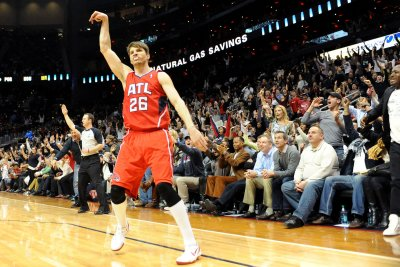 Cleveland Cavaliers complete trade for Atlanta Hawks' Kyle Korver