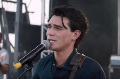 'I Still Believe': KJ Apa plays singer Jeremy Camp in first trailer