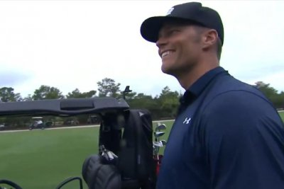 Tom Brady silences Charles Barkley with incredible birdie on seventh hole