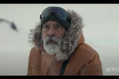'The Midnight Sky': George Clooney is alone in the Arctic in first teaser