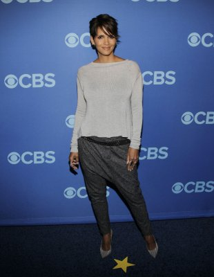 'Extant' star Halle Berry says she believes in aliens