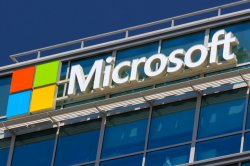 Microsoft unveils Windows 10 and holographic goggles