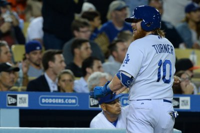 Three-run error helps Los Angeles Dodgers dump San Diego Padres