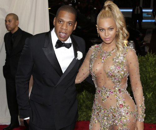 Beyonce thanks Jay Z, honors Prince during world tour launch