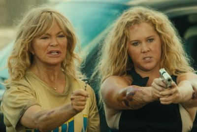 'Snatched': Amy Schumer, Goldie Hawn star in new trailer
