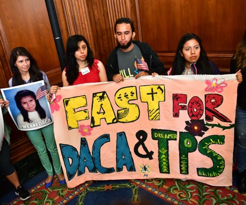 DACA recipients whose applications were lost in mail can reapply