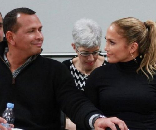 Jennifer Lopez, Alex Rodriguez skipped Globes for Puerto Rico relief trip
