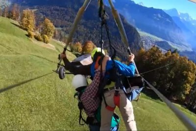 Watch: Hang glider not properly strapped in during flight - UPI com