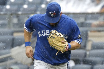 Blue Jays trade slugger Kendrys Morales to Athletics