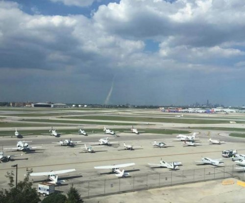Tornado touches down at Chicago's Midway airport
