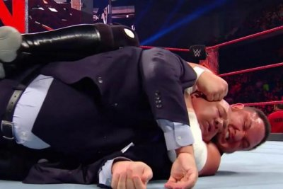 WWE Raw: Paul Heyman confronts Samoa Joe, The Miz celebrates