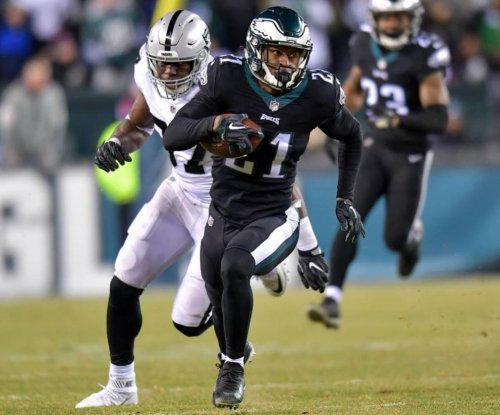 Philadelphia Eagles clinch home field with win over Oakland Raiders