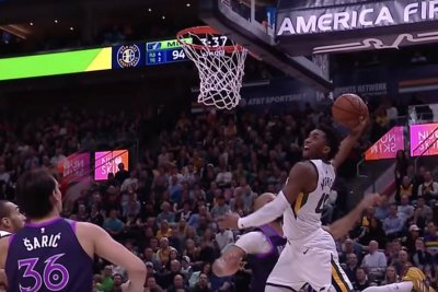 Jazz's Donovan Mitchell lifts off for devastating baseline dunk