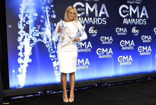 Lambert, Shelton, Bryan score big at CMA awards