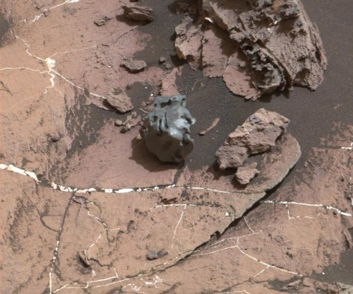 Mars rover confirms 'Egg Rock' is fallen iron-nickel meteorite