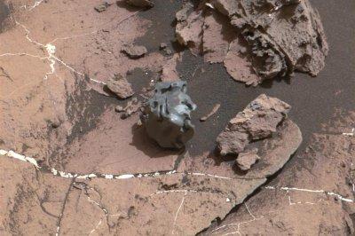 Mars rover confirms 'Egg Rock' is fallen iron-nickel meteorite