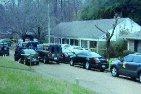 Four hostages, gunman dead after 12-hour hostage standoff in Mississippi