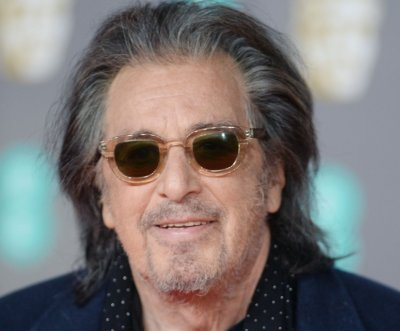 Al Pacino brings his theater experience to 'Hunters'