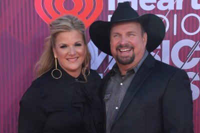 Garth Brooks, Trisha Yearwood holiday concert special coming to CBS