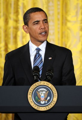 Business leaders lend support to Obama