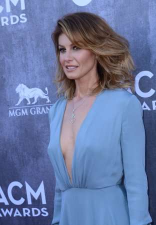 Faith Hill returning to cinema in 'Dixieland'