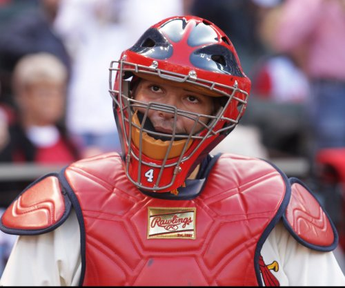St. Louis Cardinals C Yadier Molina to undergo thumb surgery