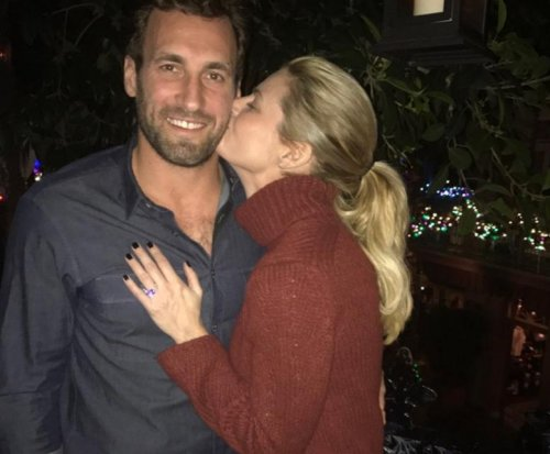 Sportscaster Erin Andrews marries NHL's Jarret Stoll