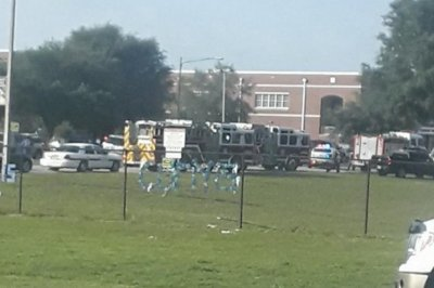 1 wounded, suspect in custody in Florida high school shooting
