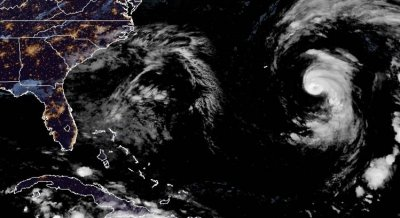 Epsilon wobbles toward Bermuda as major hurricane