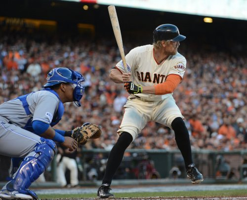 Giants tie series in fourth game