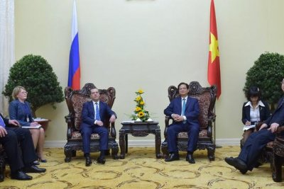 Russia, Vietnam sign energy agreements