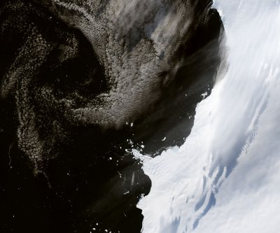 Scientists measure record glacial melting in West Antarctica