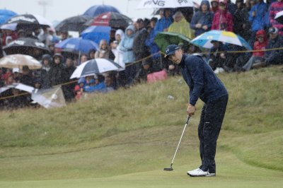 PGA Open: Jordan Spieth's 65 stretches lead to 3 shots