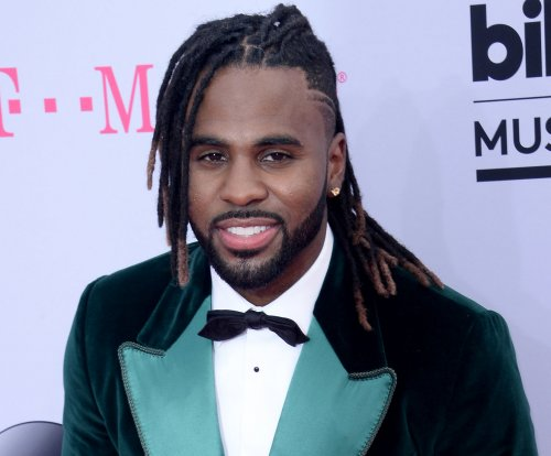 Jason Derulo dresses up as the Night King from 'GoT' for Halloween