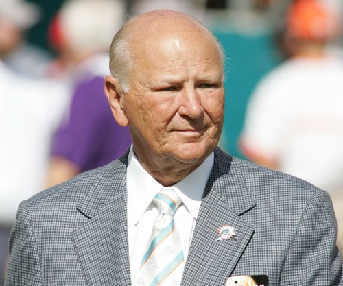 Wayne Huizenga: Former Dolphins, Panthers, Marlins owner dies at 80