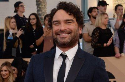 'Big Bang Theory's' Galecki, Bialek post photos from Cuoco's wedding