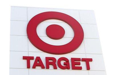 Target to hire 133,000 temp workers for holiday season