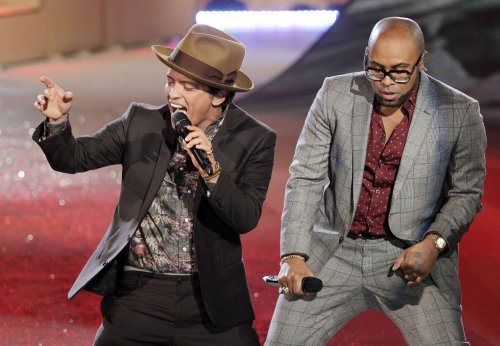 'Harlem Shake' tops U.S. record chart for fifth week