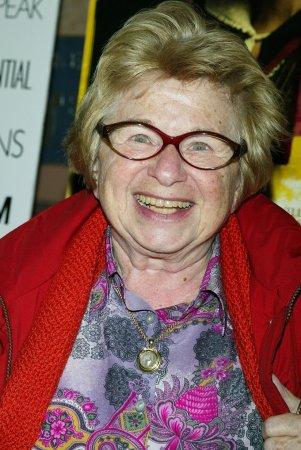 Dr. Ruth to start penning new column