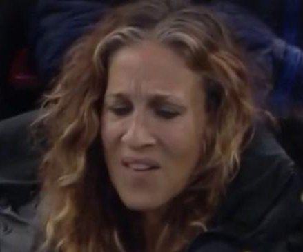 Sarah Jessica Parker unimpressed by Tom Hanks in viral Vine