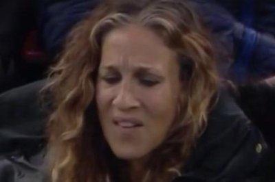 Sarah Jessica Parker unimpressed by Tom Hanks in viral Vine