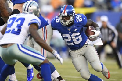 New York Giants: Orleans Darkwa runs into backfield mix