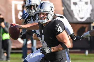 Oakland Raiders Week 7 report card: Derek Carr, Raiders rise up with huge win